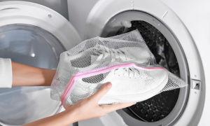 Как стирать кроссовки правильно: в стиральной машине или вручную