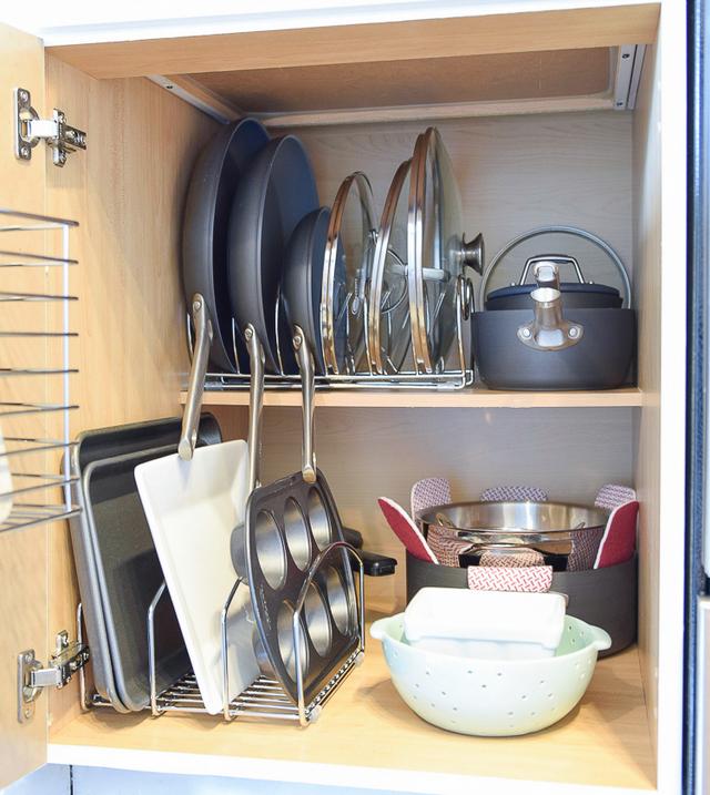 Как хранить сковородки и кастрюли