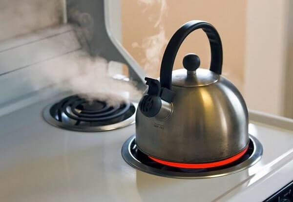 Как очистить накипь в чайнике
