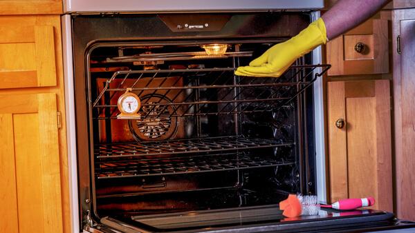 Как отмывать духовку